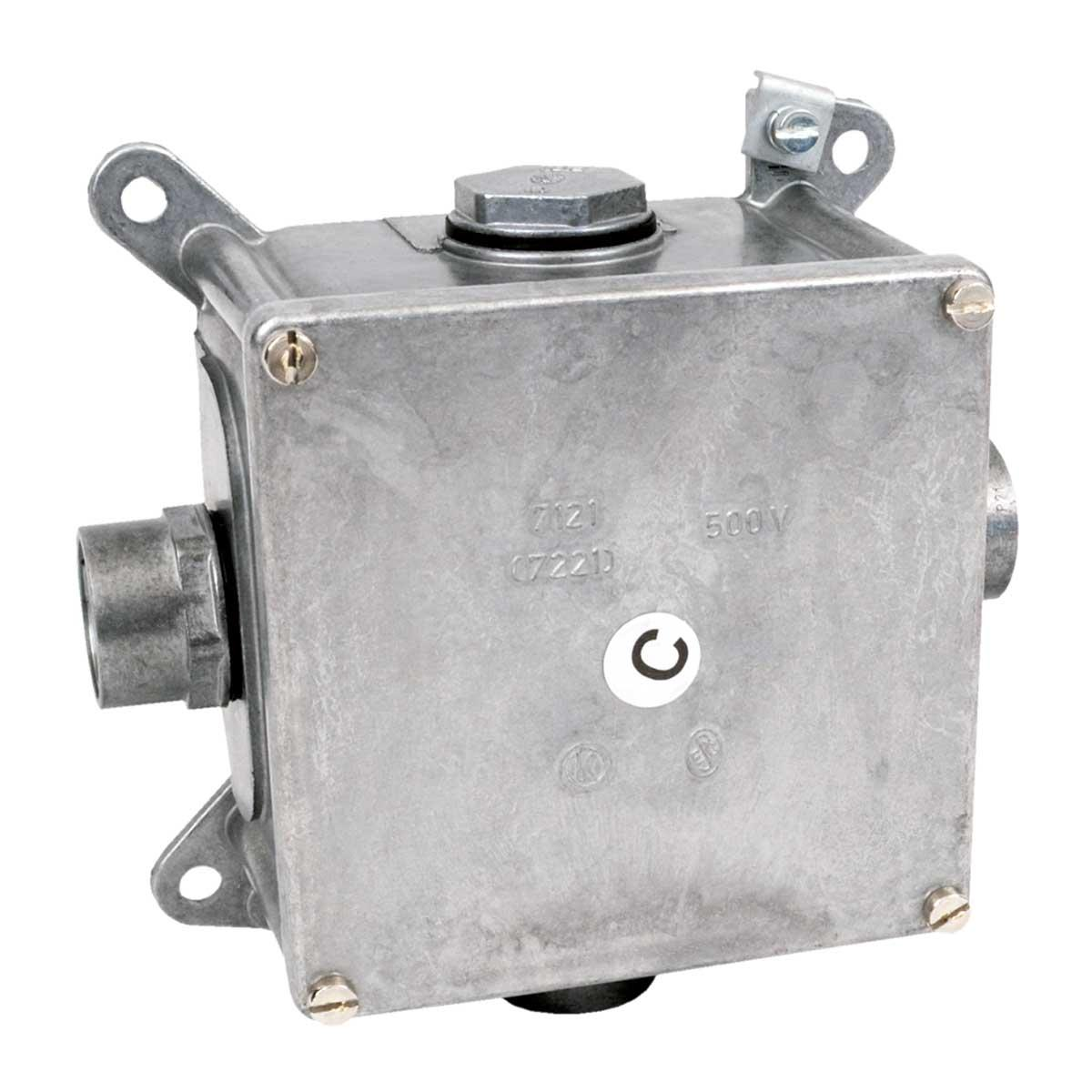 Коробка металева з запобіжною клемою розміри 119х119х78 мм