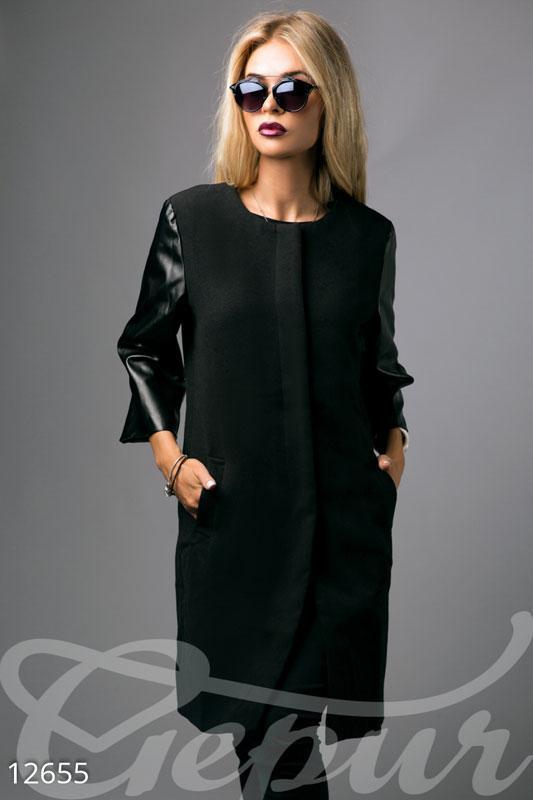 Кашемировое пальто черного цвета с кожаными рукавами