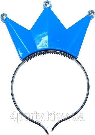 Корона принцеси світиться на обручі Блакитна