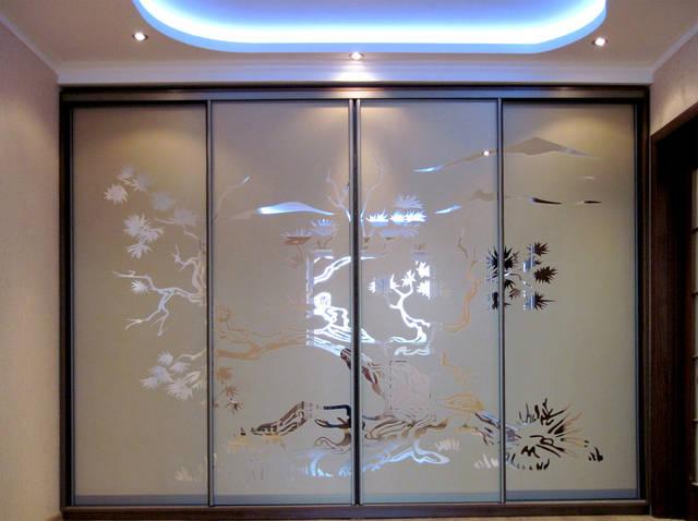 Шкаф-купе с рисунком (травление на зеркале) - японское дерево сакура.