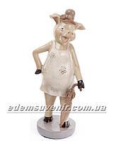 Статуэтка декоративная Свинка с зонтиком бежевое платье