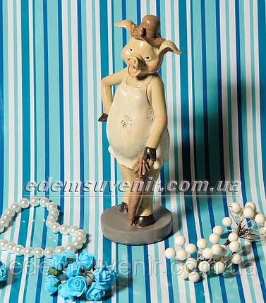 Статуэтка декоративная Свинка с зонтиком бежевое платье, фото 2