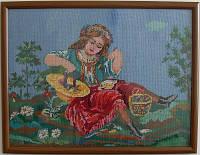 Девушка с лукошком