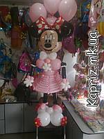 Минни Маус из шаров в розовом