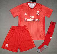 Футбольная форма Реал Мадрид красная сезон 18-19