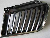 Решітка радіатора права Mitsubishi L200, 2005-2014 р. в. 7450A188