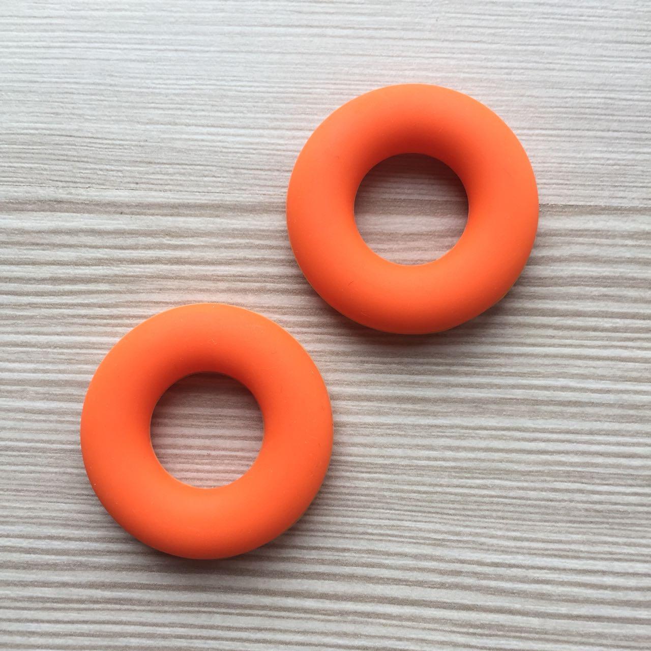 Колечко бублик (оранжевый) 43мм, силиконовая бусина