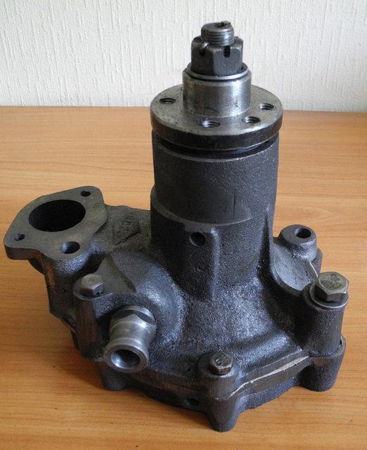 Помпа водяной насос СМД 18 22 на ДТ-75 и СК-5 Нива