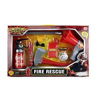 Набор пожарника F002  огнетушитель, лом, фонарик-свет,рупор,на бат(табл) ,в кор-ке,46-28,5-9см
