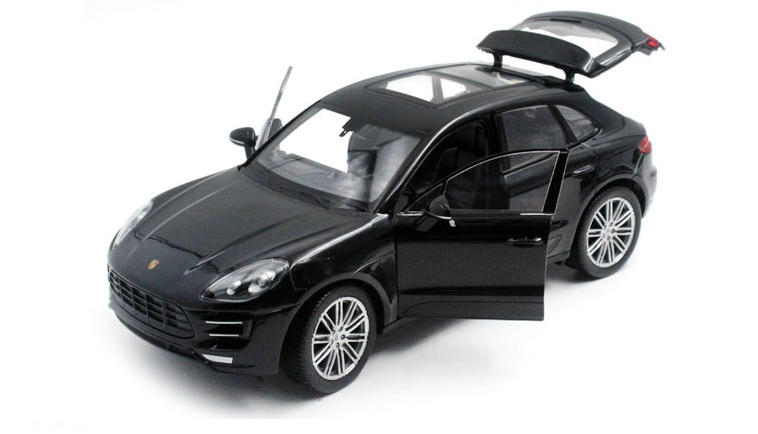 Коллекционная машинка Porsche Macan Turbo 1:32