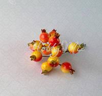 Ягоды шиповника желто-красные на проволочке 6 шт., фото 1