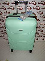 Чемодан для девочки в категории дорожные сумки и чемоданы в Украине ... 02c49f4723e