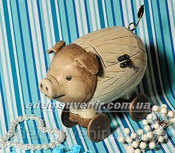 Статуэтка декоративная Шкатулка Свинка на колесах