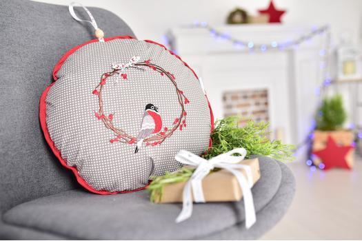 Подушка-игрушка Новогодняя Снегирь