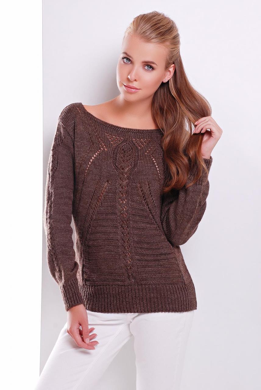 Женский однотонный вязаный свитер с вырезом-лодочкой коричневый