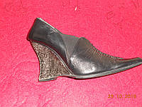 Кожаные женские туфли на танкетке Nord