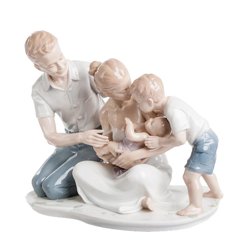 Фигура из фарфора «Cчастливая семья» Pavone, 18х20х11 см(325-4071)