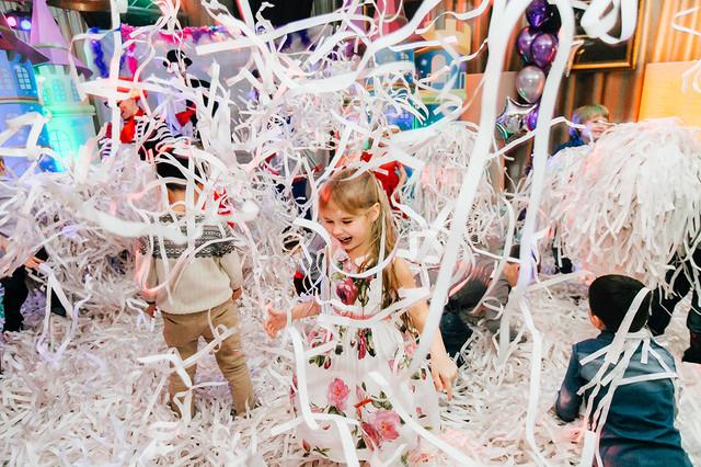 бумажное шоу, киев бумажная дискотека  вечеринка танцы для детей, тинейджеров недорого  КИЕВ