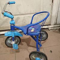 Продам трех колесный велосипед от полутора лет.