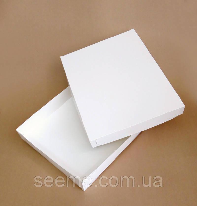 Коробка подарункова, 360х280х50 мм.