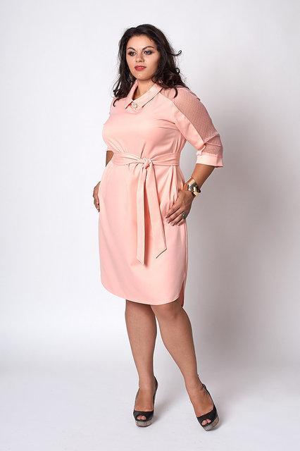 Модное платье большого размера пудра