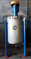 Смеситель вертикальный объемом 250 литров, периодического действия.