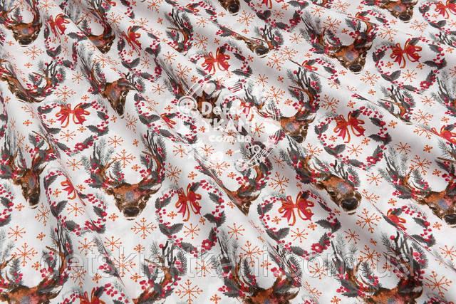 Хлопковая ткань с серыми ветками и оленями