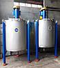 Смеситель объемом 1200 литров, вертикальный, периодического действия.
