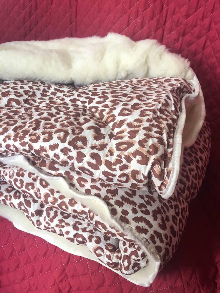 Одеяло из овечьей шерсти открытое «Лери Макс» 180*210см 400грн.