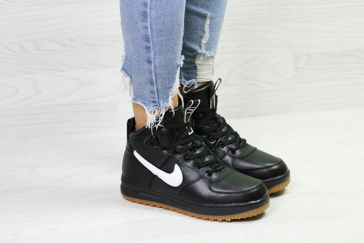 Жіночі Кросівки Nike Air Force — в Категории