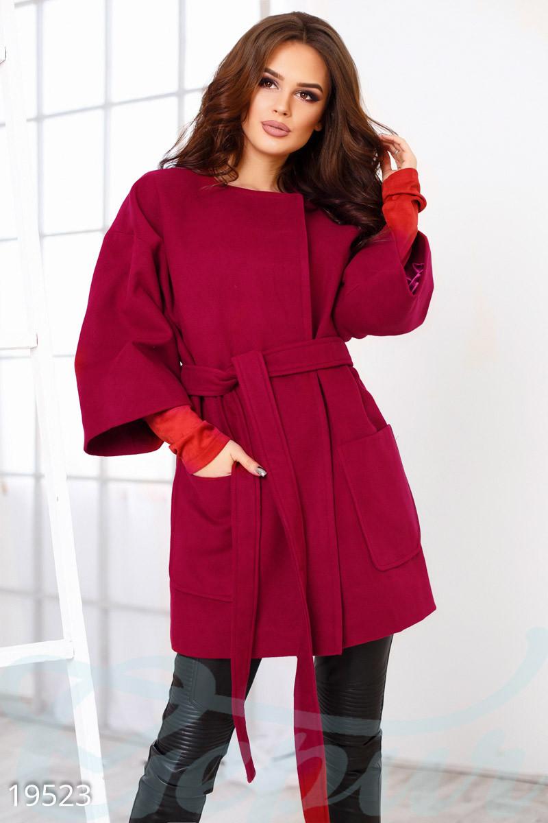 Трендовое женское пальто oversize красного цвета
