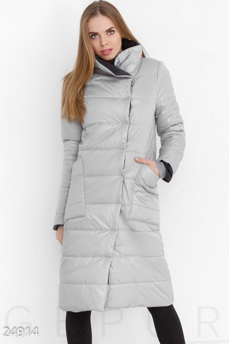 Теплое стеганное пальто серого цвета