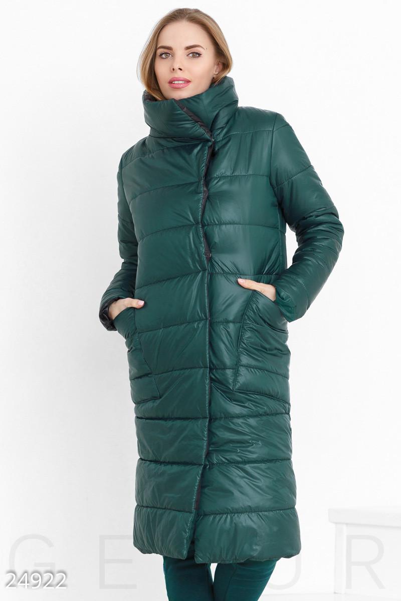 Теплое стеганное пальто зеленого цвета
