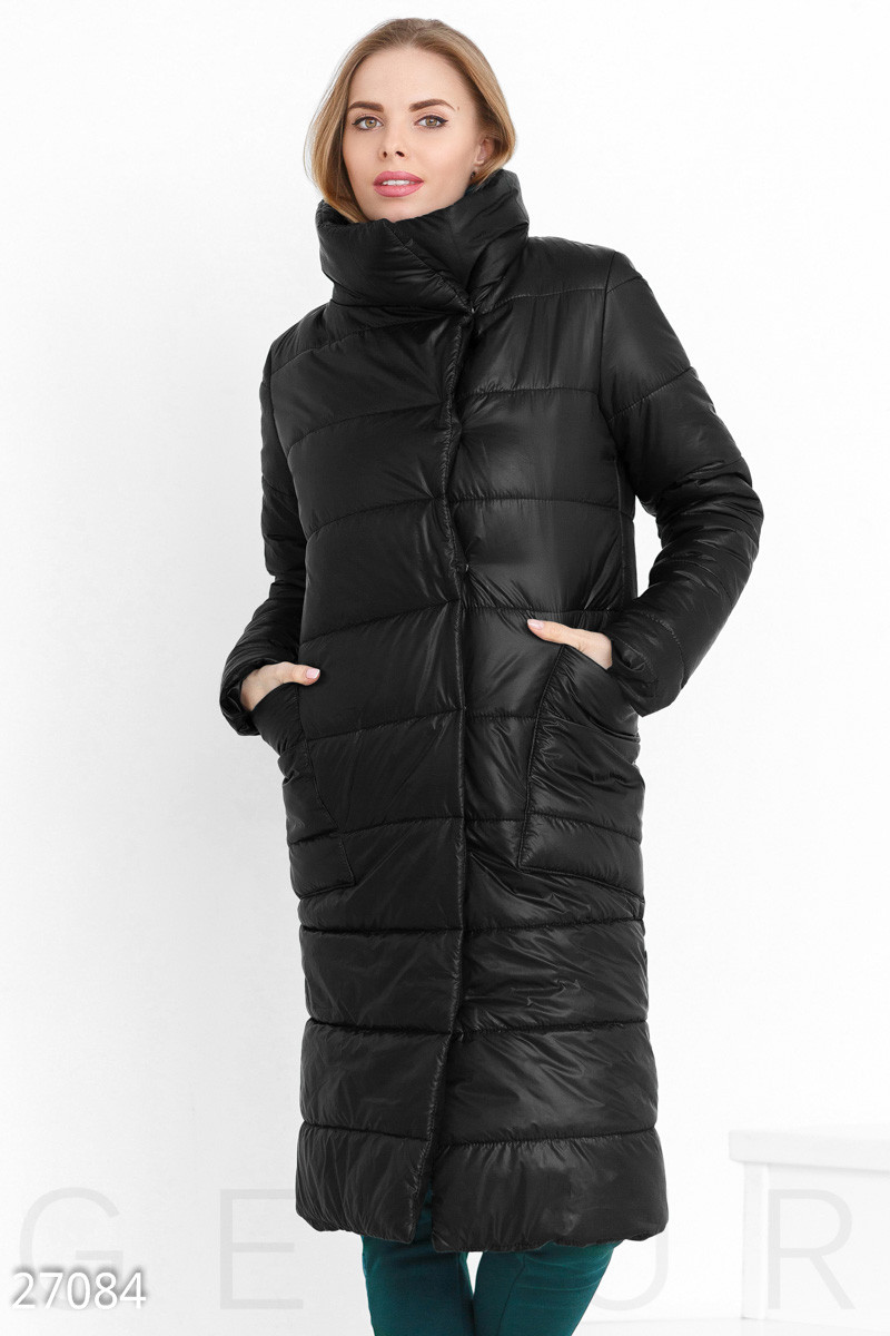 Теплое стеганное пальто черного цвета
