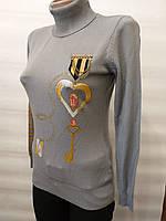 Свитер женский серого цвета с вышивкой
