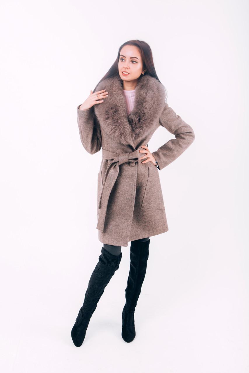 Бежевое пальто на зиму с мехом O.Z.Z.E Д277