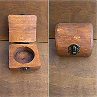 Дерев'яна шкатулка для кілець і прикрас