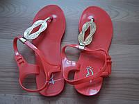 Женские силиконовые босоножки, красным цветом.