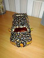 Машина из конфет седан