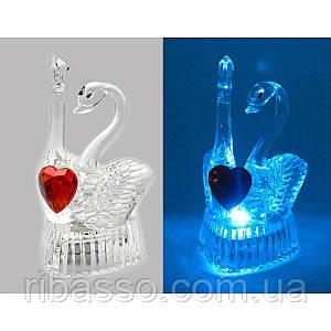 Лебеди с сердечком хрустальные с подсветкой 9х5х5,5 см 6046 24919
