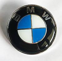 Эмблема BMW 78 мм (с защитным слоем) 51 14-1970248 ABS (56мм между штырями)
