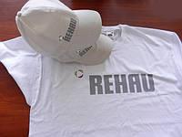 Печать на кепках и футболках.