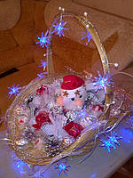 "Новогодняя корзинка из конфет ""Дед Мороз"""