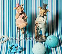 Статуэтки декоративные Свин во фраке и Свинка на стуле