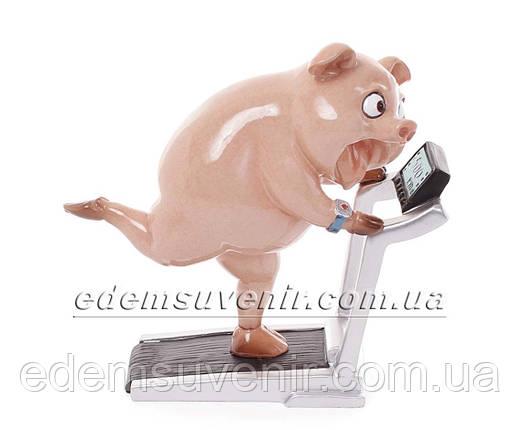 Статуэтка декоративная Свинка на беговой дорожке, фото 2