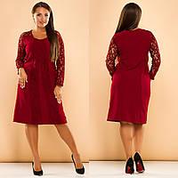 Женское свободное платье с гипюровыми рукавами вставками гипюра впереди Батал