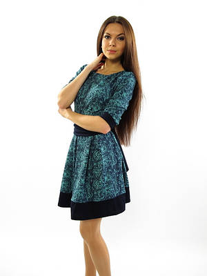 Нарядное бирюзовое платье с поясом