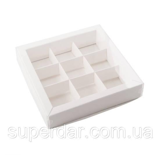 Коробки для конфет с разделителями 120х120х30 мм.