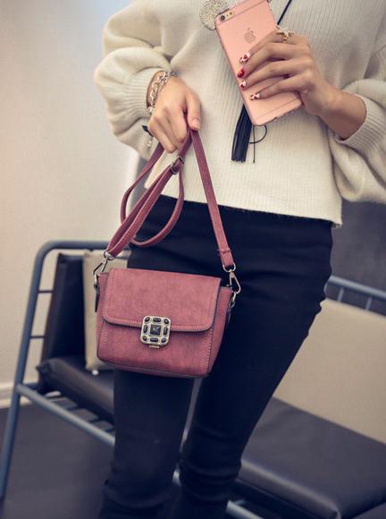 Женская  сумка клатч через плечо с брошкой Бордовый