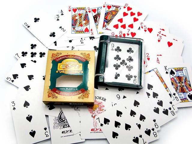 пластиковые карты для покера EYT